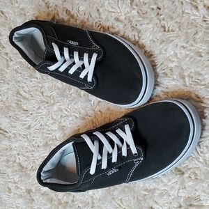 VANS Off the Wall Low Trainers - Black and White